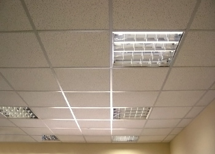 лампы для потолка армстронг
