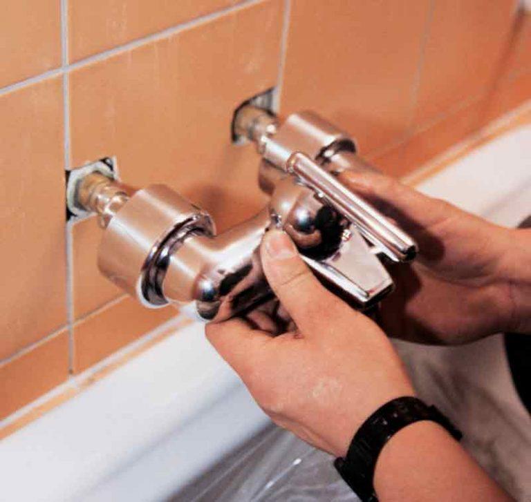 Bathroom faucet installation scheme