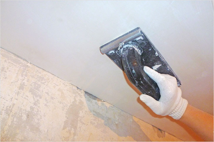 Шлифовка потолка под покраску своими руками