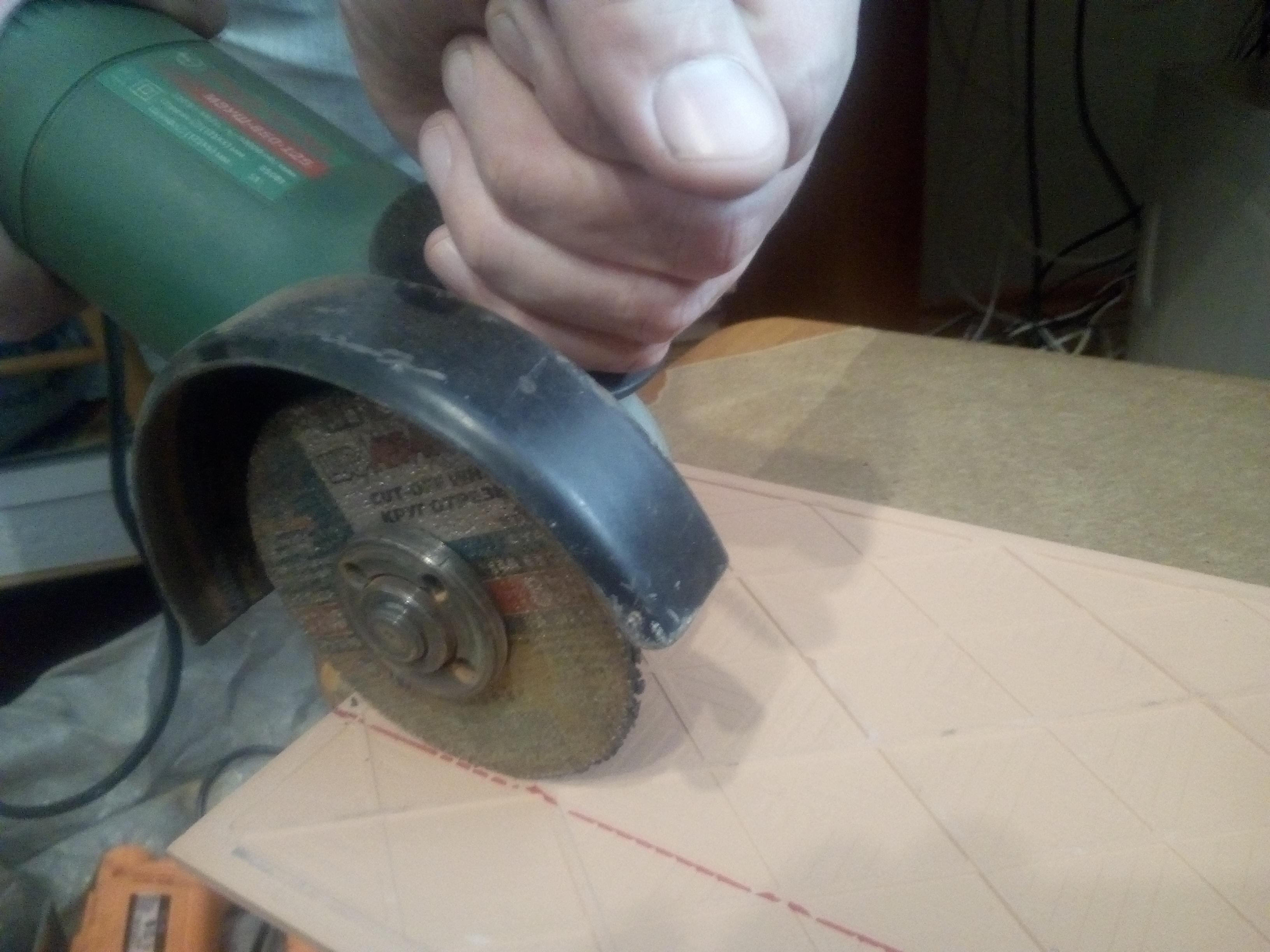 резка керамической плитки с обратной стороны